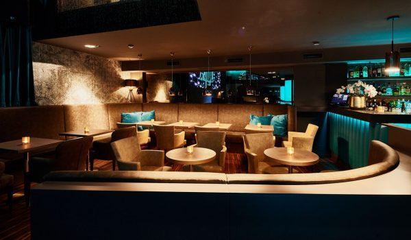 Alsó szint VIP lounge | Ground floor VIP lounge